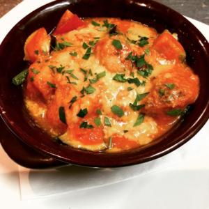 【ミートボールのトマト煮と山形野菜のオープン焼き】